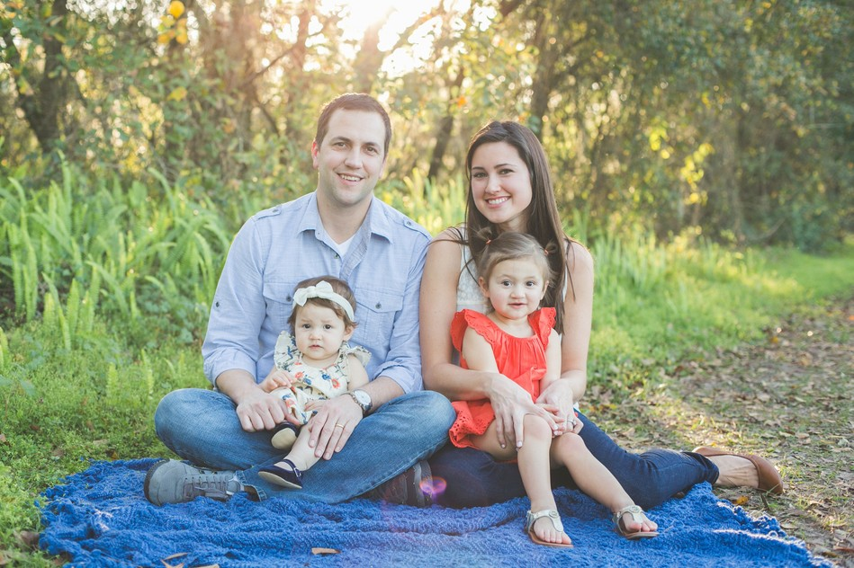 Outdoor Relaxed Family Session by Bára Miller Photography