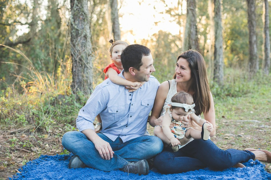 Outdoor Family Session by Bára Miller Photography