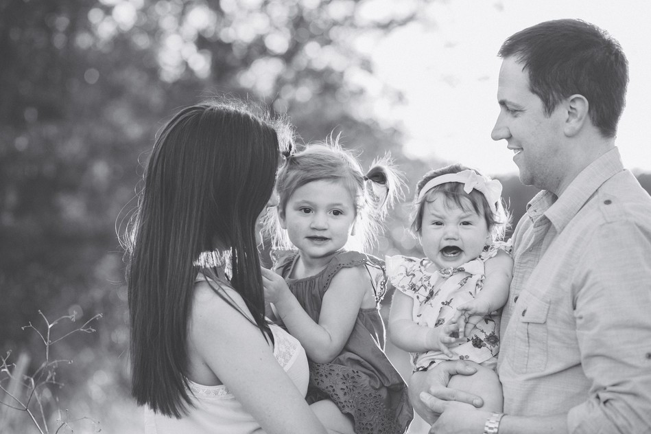 Field Family Session by Bára Miller Photography