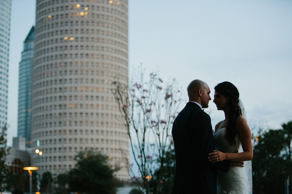 bride and groom night portraits at Tampa Museum of Art by Bara Miller Photography